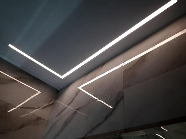 Парящие натяжные потолки в Одессе с подсветкой - светящиеся линии
