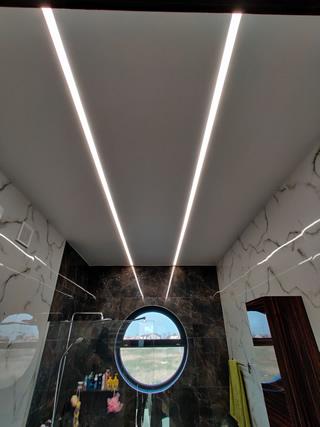 Парящие натяжные потолки светящиеся линии в Одессе