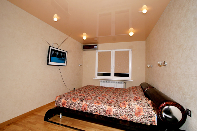 Натяжные потолки DEMI-LUNE. Спальная комната