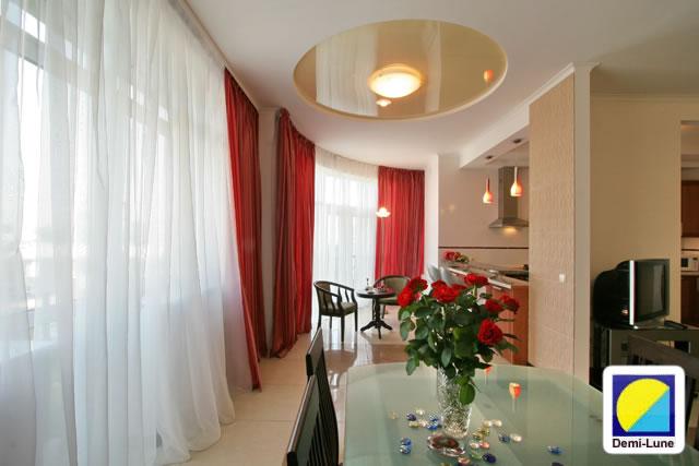Натяжной потолок дизайн светильников фото